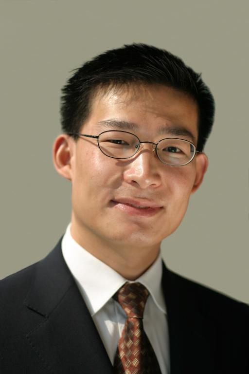 """西安交大孔祥云校友荣获""""2014年度上海优秀软件企业家""""称号"""
